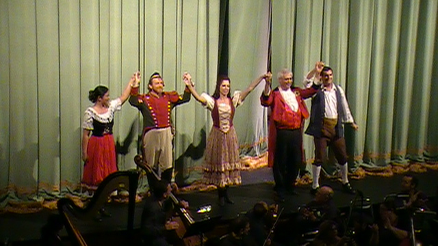 Curtain Call for Elixir of Love at Colony Theatre - 13 August 2011